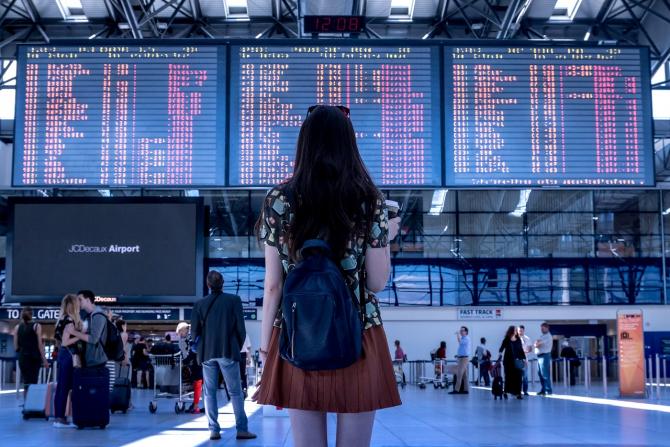 Călătorii pot cere despăgubiri de la Blue Air