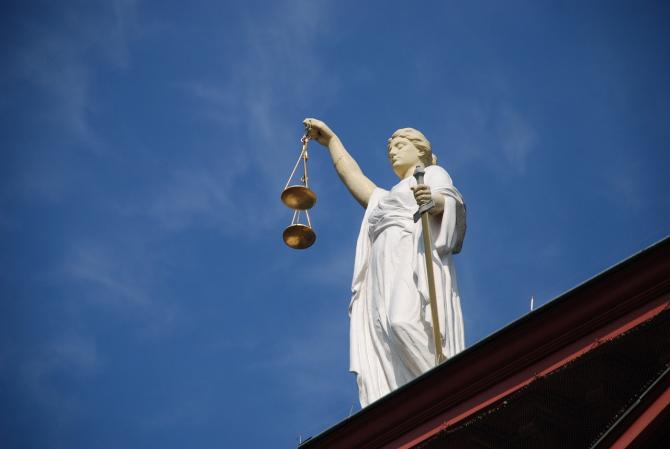 Bani pentru Cartierul Justitiei