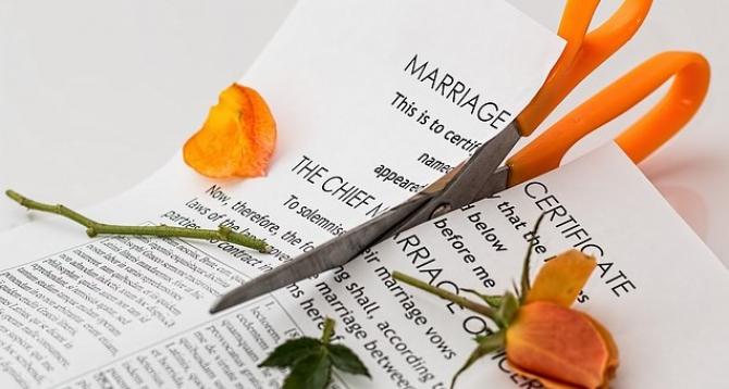 Unii au plătit enorm de mult pentru a divorța