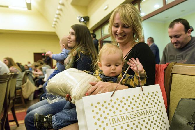Ungaria ia măsuri importante in directia incurajării natalitatii