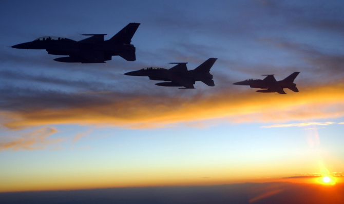 Avioane pakistaneze F-16