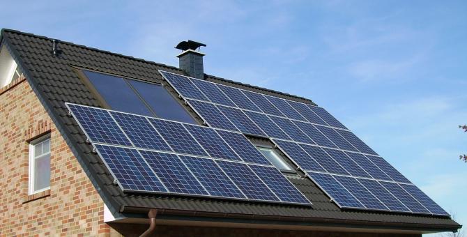 Voucherele vor putea fi folosite și pentru instalarea de panouri fotovoltaice
