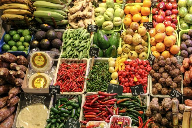 Legume si fructe alterate, mucegăite și putrezite, în hipermarketuri