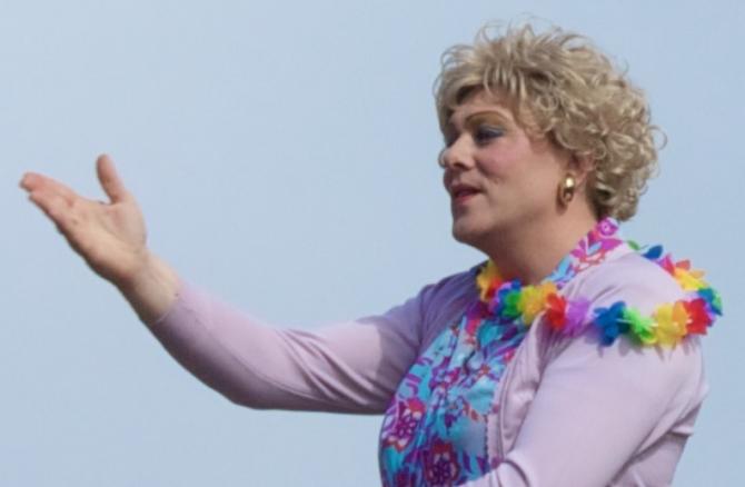 Jon Gnarr, primarul din Reykjavik la parada gay