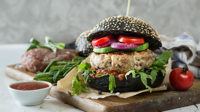 Cererea de hamburgeri vegani este în creștere