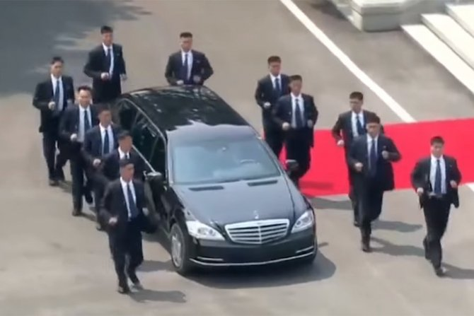 Kim Jong-Un se deplasează cu mașini dintre cele mai scumpe în pofida embargoului