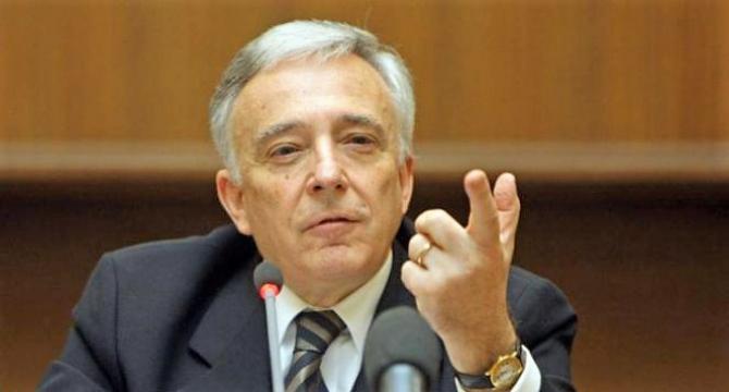 Guvernatorul BNR Mugur Isărescu