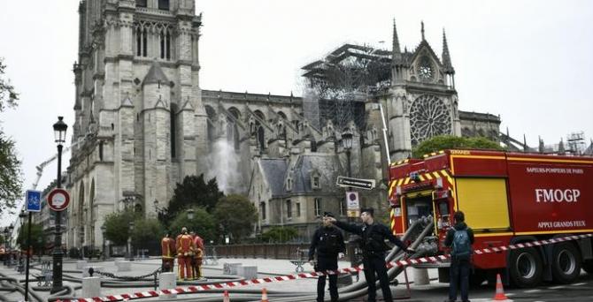 Notre Dame ar putea arăta altfel după refacere