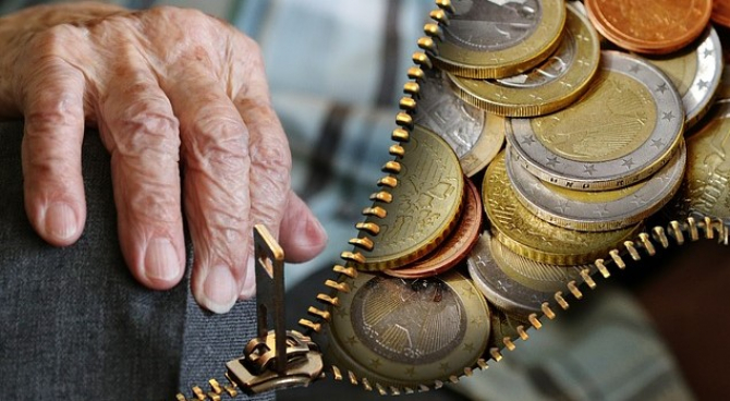 Fostii detinuti politic ar putea primi indemnizatii marite