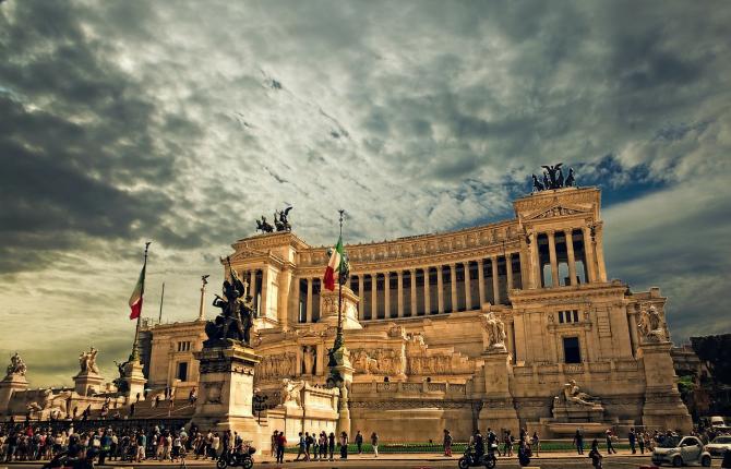 Economia italiană era singura din UE intrată în recesiune