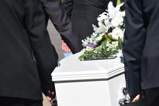 Romanii decedați în UE vor fi repatriați cu ajutor de la stat