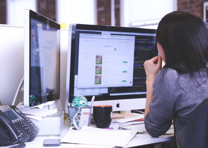 Procentajul studenților femei în IT este mai mare în Estgul Europei
