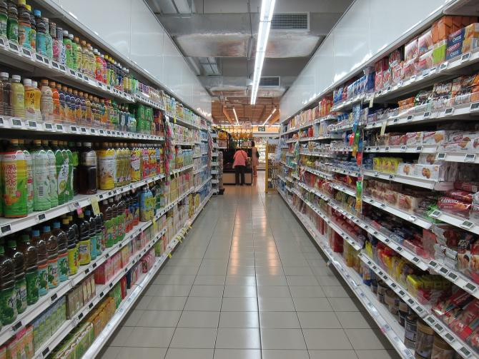 Supermarketurile își restrâng activitatea de Paște