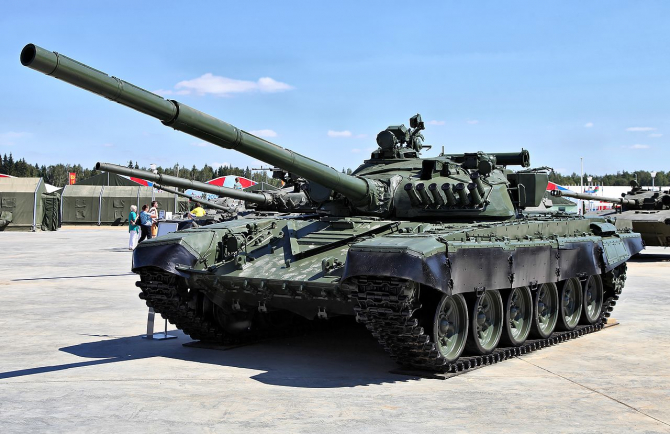 Tancul rusesc T-72, numit de americani Dolly Parton
