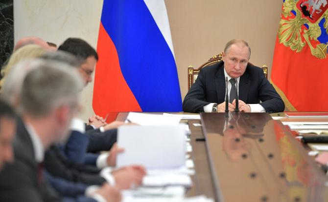 Legea internetului rusesc RUNET, va fi semnată de Vladimir Putin