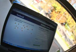 O mare parte din coturile de Facebook sunt false