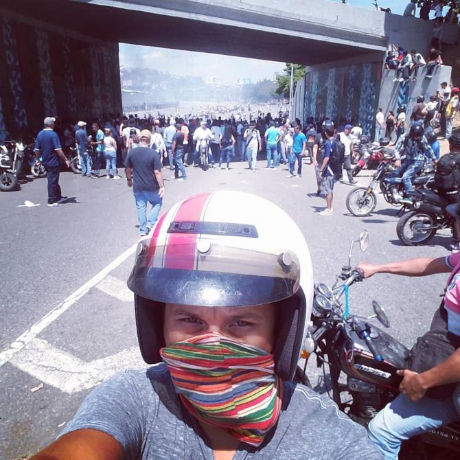 Proteste violente la Caracas