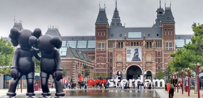 Amsterdam INTERZICE turiștilor accesul în cafenelele unde se vinde canabis