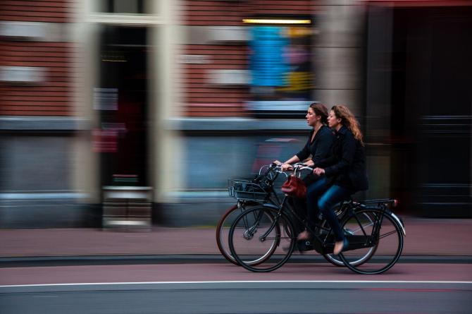Statul investeste in piste pentru biciclete
