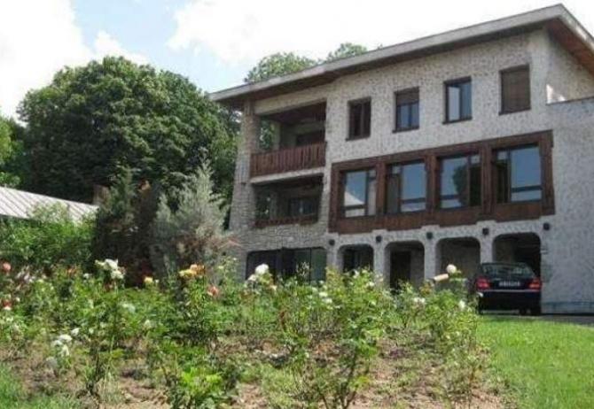 Vila de la Iași va fi demolată