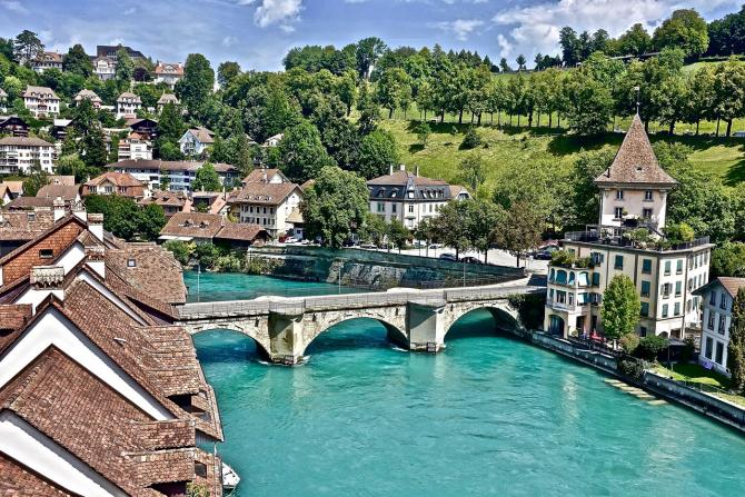 Românii au voie să muncească în Elveția