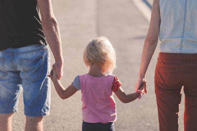 Statul cheltuie foarte puțin pentru familiile aflate în dificultate