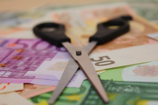 Inflația va reduce veniturile românilor peste așteptările inițiale