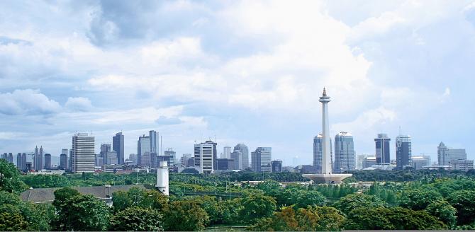 Jakarta este considerată prea aglomerată