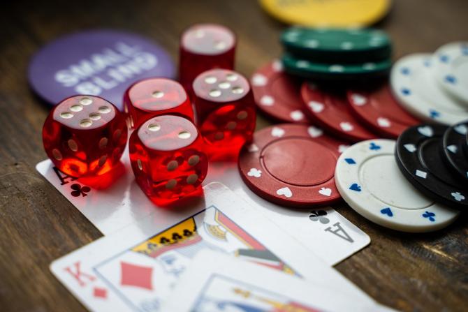 Sălile de jocuri de noroc vor avea reguli mult mai stricte