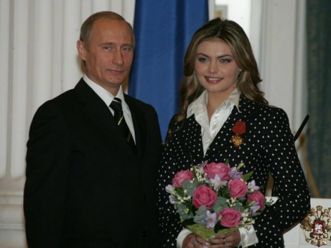 Vladimir Putin și Alina Kabaeva într-una din rarele ocazii când au fost văzuți împreună