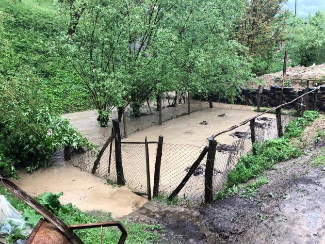 ALERTĂ! Înundații în 5 bazine hidrografice