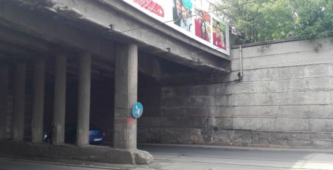 Podul, un pericol pentru participanții la trafic