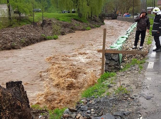 Cod roșu de inundații în Caraș-Severin și Timiș