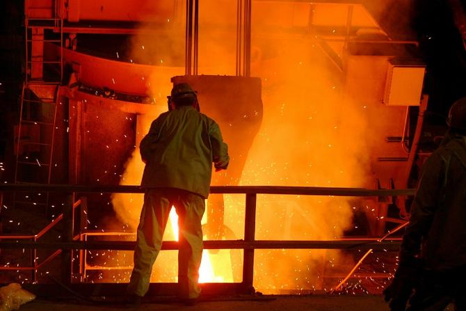ArcelorMittal reduce producția din Europa