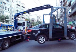 Masinile parcate neregulamentar vor fi ridicate