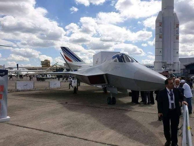 Avionul turcesc prezentat la targul aeronautic de la Paris
