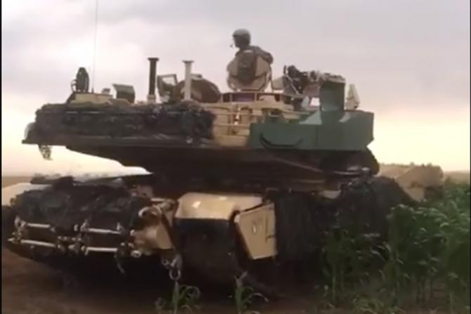 """Unul din vehiculele armatei SUA care s-a """"rătăcit"""""""