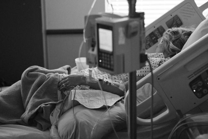 Cercetarea în domeniul cancerului are de suferit din cauza razboiului economic