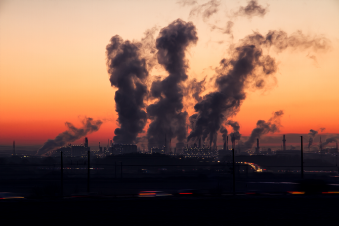 Ținta de ''zero emisii de carbon cu efect de seră'' până în 2050 nu a fost atinsă
