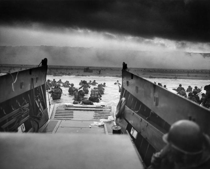 Peste 10.000 de militari au murit în timpul debarcării din Normandia