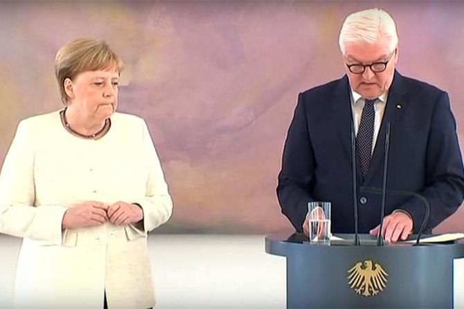 Angela Merkel a început să tremure din nou