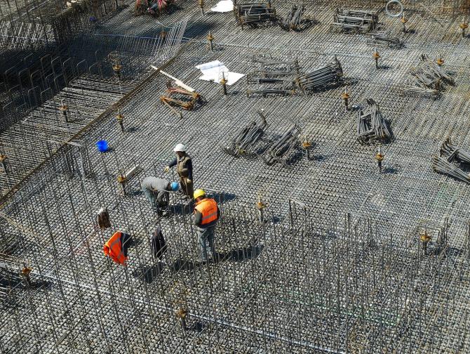 Lucrările de construcţii au crescut în volum cu 34,3% în primele două luni