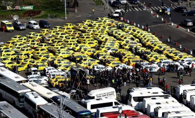 Taximetristii amenință cu greva foamei