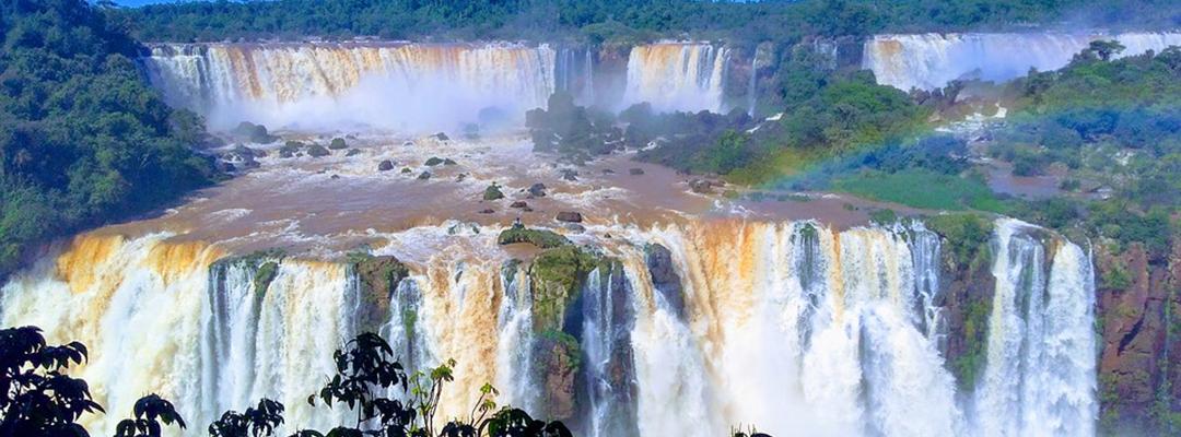 Cascada Iguazu, granița dintre Brazilia și Argentina