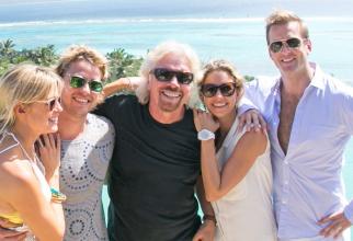 Branson, fericit alături de familie