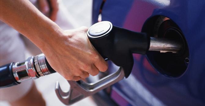 Românii se vor putea informa în legătură cu prețul carburanților