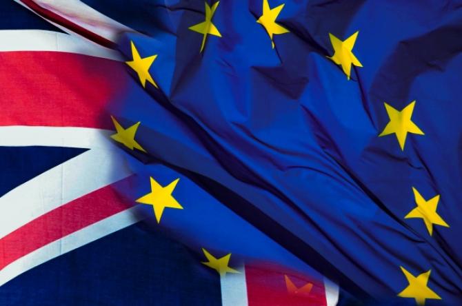Perspectiva unui Brexit fără acord deja are efecte negative asupra lirei sterline