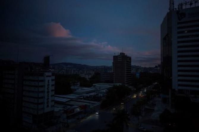 Caracas este din nou cufundat in intuneric
