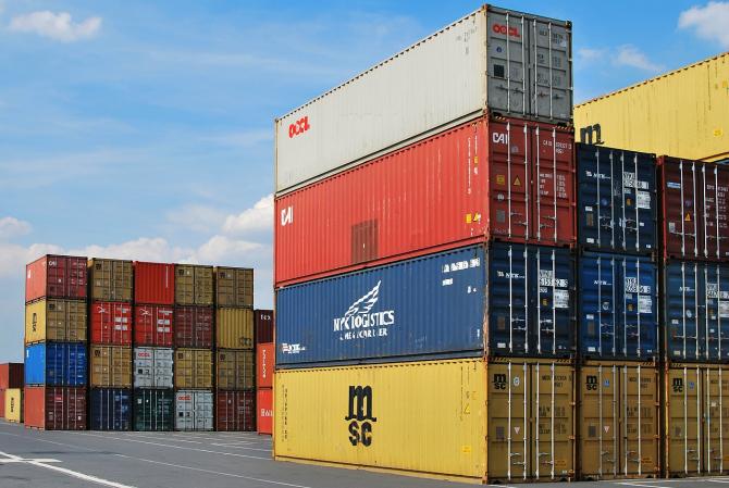 Romania în continuare importă mai mult decât exportă
