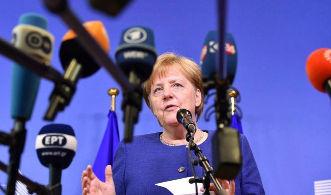 Jurnaliștii nu o scapă din ochi pe Merkel